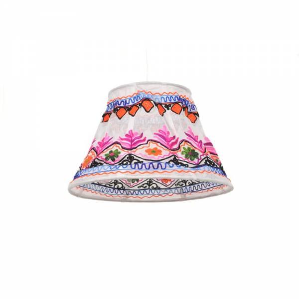 Stofflampenschirme im indischen Stil